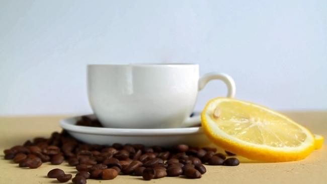 cafeaua poate scădea în jos