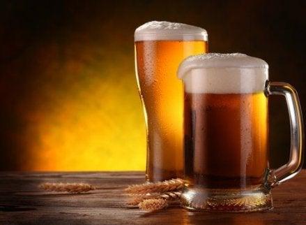 Alcoolul si apa in lupta cu kilogramele in plus   Medlife