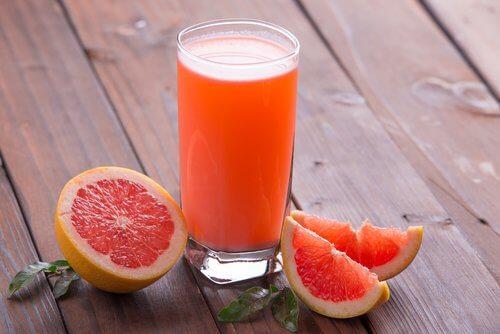 papaya enzymes va ajuta să pierdeți în greutate