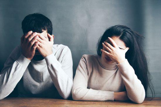 Abuzul emoțional în cuplu. Cum îi recunoaștem semnele și cum să luăm atitudine