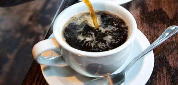 Cafea neagră fără zahăr pentru pierderea în greutate. Cafeaua mărește zahărul din sânge
